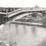 De gedeeltelijk opgeblazen brug over het Maas-Waal kanaal bij Hatert (Nijmegen). Foto 015