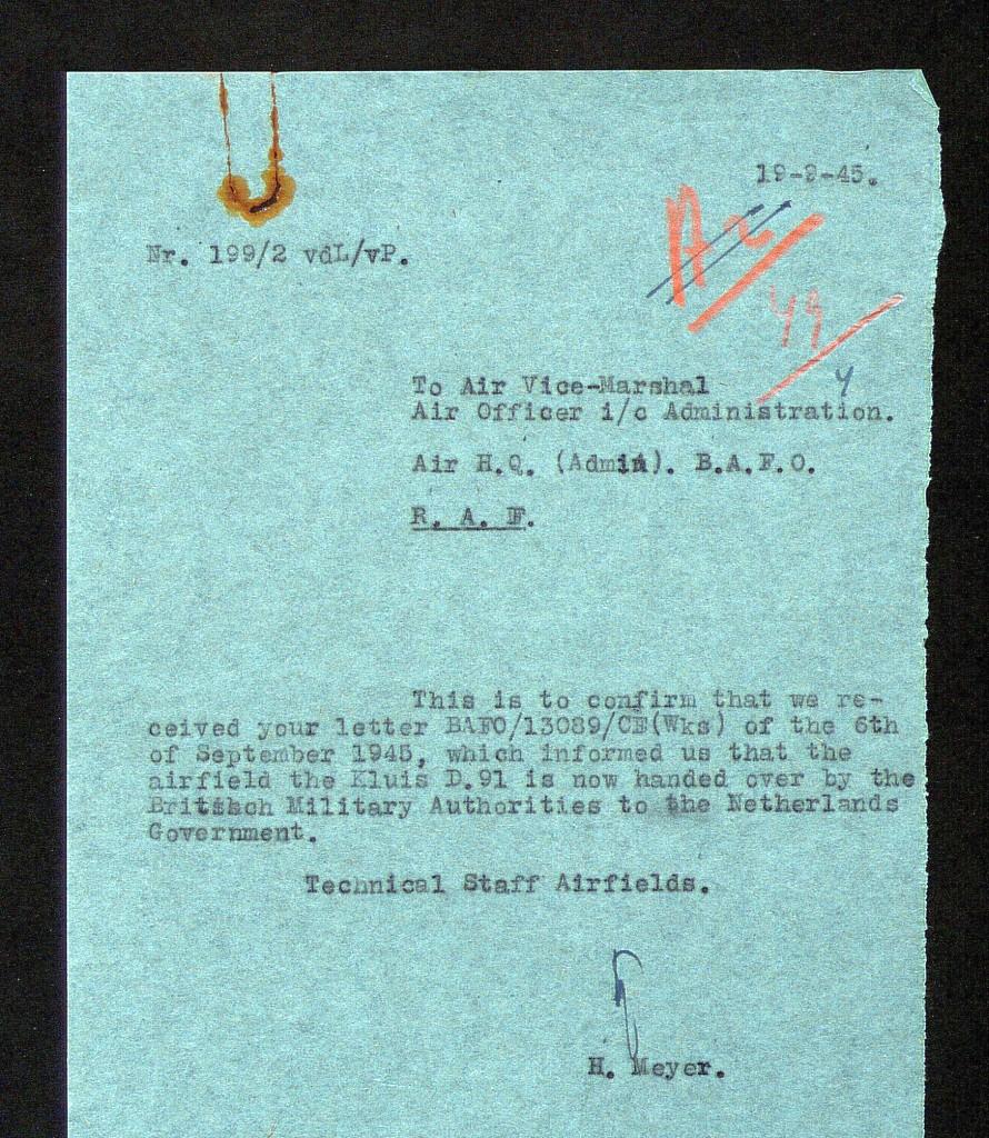 Overdracht-op-19-september-1945-van-Airfield-the-Kluis-B91
