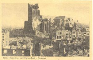 Stikke Hezelstraat met Stevenskerk – Nijmegen