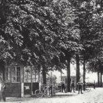 Foto 05-1 Cafe Halfweg met autobus 1911 (De bus reed van Plasmolen naar Nijmegen)