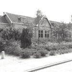 Foto 14-1 Verbouwde Mariaschool nu 't Honk (JB; In 2021 't Steenhuys op de hoek Rijksweg en de Kloosterstraat)