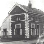 Foto 23-2 Tolhuis afgebroken 1960 (JB; Woning van de fam. Willemsen stond naast de RK. kerk aan de Rijksweg)