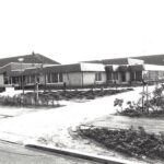 Foto 38-2 Zwembad met Sporthal de Veldschuur in 1980 (JB; Bouw zwembad 1974. Bouw sporthal 1978. Gesloopt 2020)