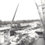 Foto 40-2 Sloop De Hoge Brug over het Maas-Waalkanaal in 1988